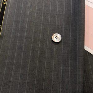 グレーピンクストライプ:超涼しい&驚異のシワ回復力の天然素材スーツ